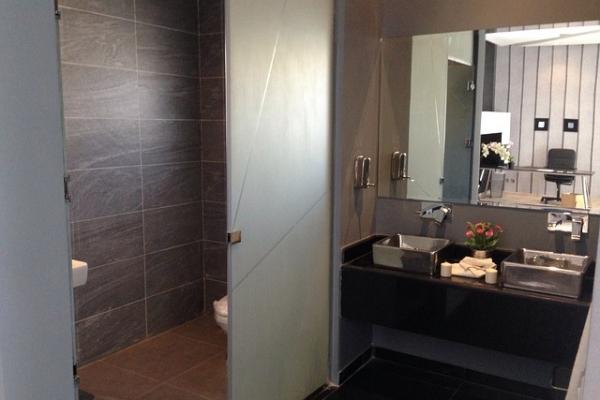 bathroom-437210-640c45309ed-389a-e6cf-5df0-e3dc0005b79463A20815-0C81-1D28-1B3C-CA3530DB2A05.jpg