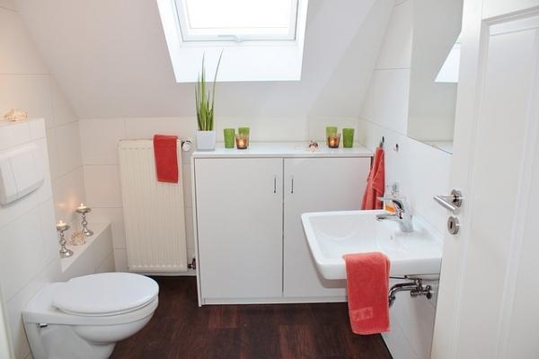 bathroom-1228427-640741C5A0C-9E48-1F9A-3271-5DAC7D6B3A30.jpg